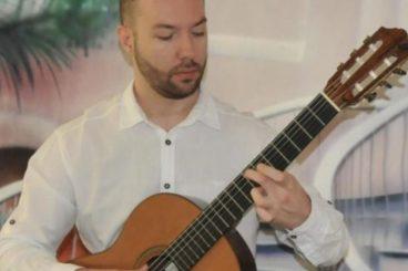 Željko Mandarić (guitar)